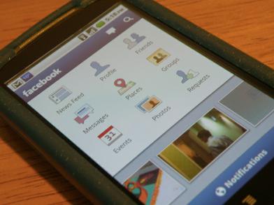Bloquer l'accès à Facebook depuis les ordinateurs de bureaux pourquoi faire quand les salariés ont un Smartphone ? (Source Flick Par DennisSylvesterHurd)
